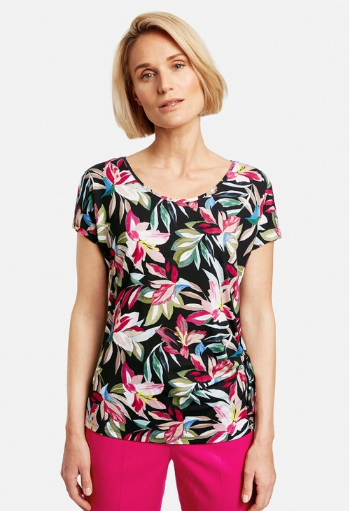 Gerry Weber Top with a floral print