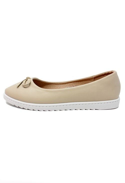 Pamela Scott Soft Beige Lightweight Pull-on Pump