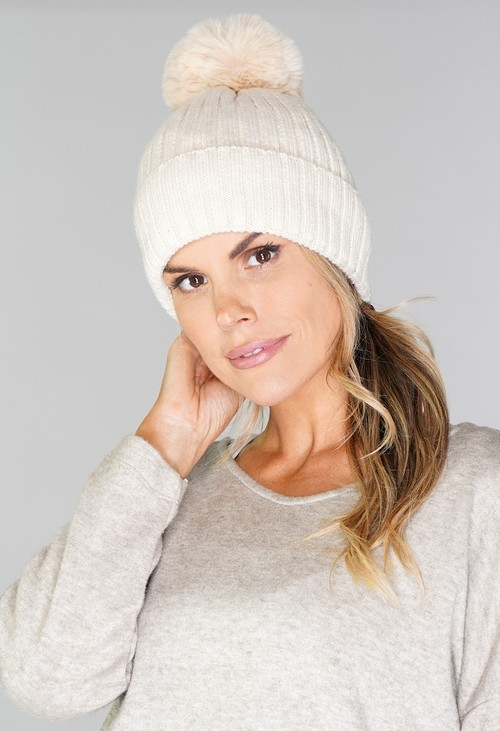 Pamela Scott CREAM BOBBLE HAT