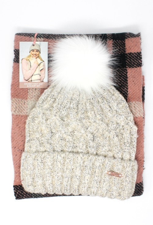 Something Special CHUNKY KNIT HAT AND SCARF SET