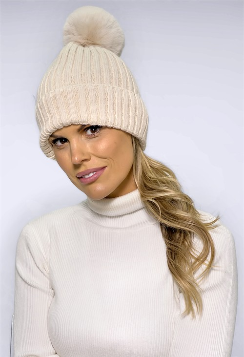 Pamela Scott Vanilla BOBBLE HAT