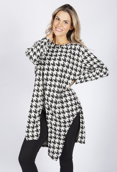 Pamela Scott HOUNDSTOOTH DESIGN KNIT LONG TOP WITH ZIP DETAILS