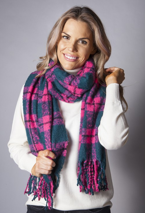Pamela Scott Fuchsia Checked Knit Scarf