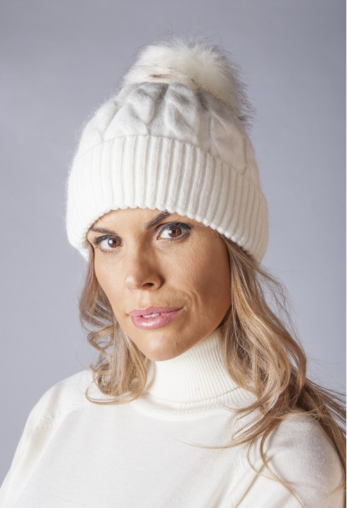 Pamela Scott CREAM CABLE KNIT POMPOM HAT