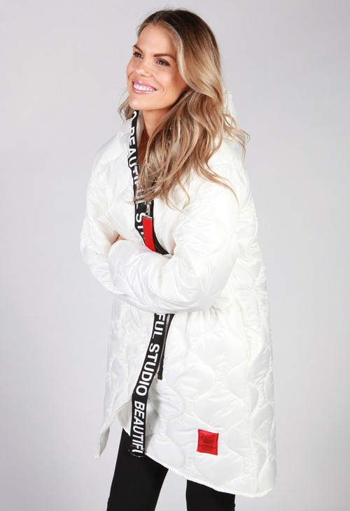 Zapara White Quilted Coat with Red Toggle
