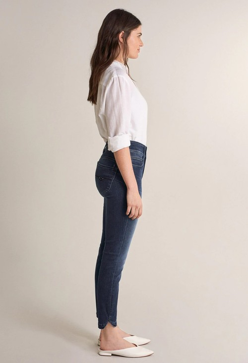 Salsa Jeans 28 Leg Push In Secret Capri Jeans with Embroidered Details