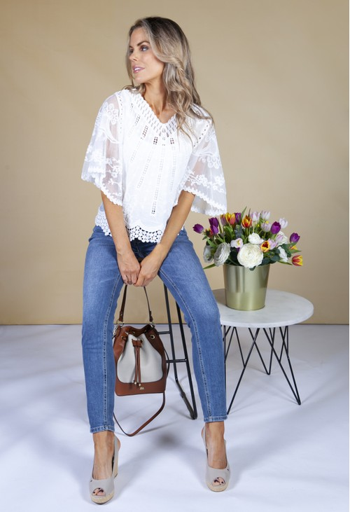 Pamela Scott Short Sleeve Embroidery V-Neck Top in Cream