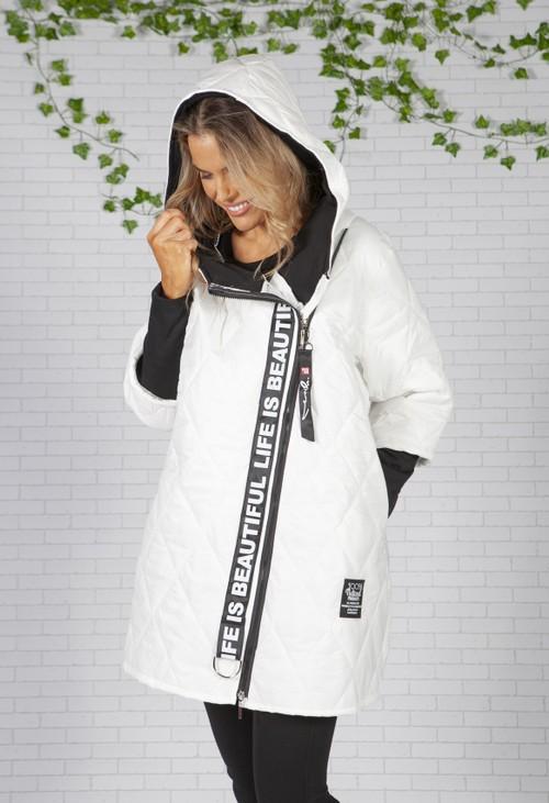 Zapara Diagonal White Quilted Coat