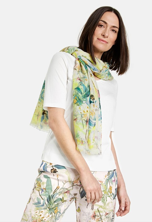 Gerry Weber Scarf with a floral pattern