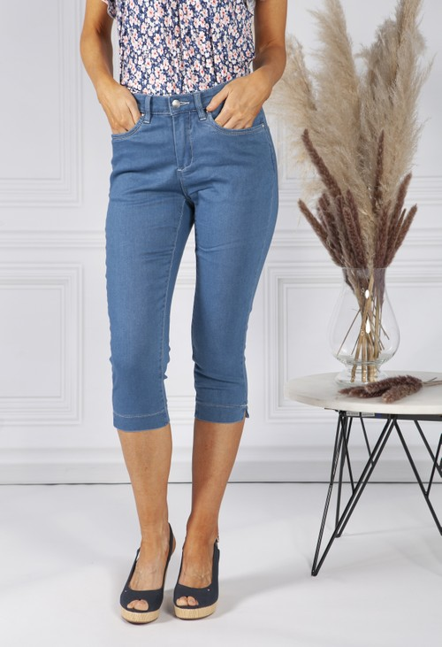 Twist Soft Denim Cropped Jeans