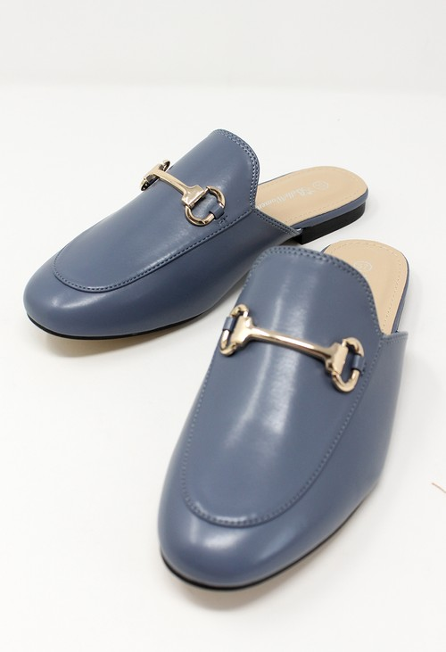 Shoe Lounge Blue Apron Front Slide