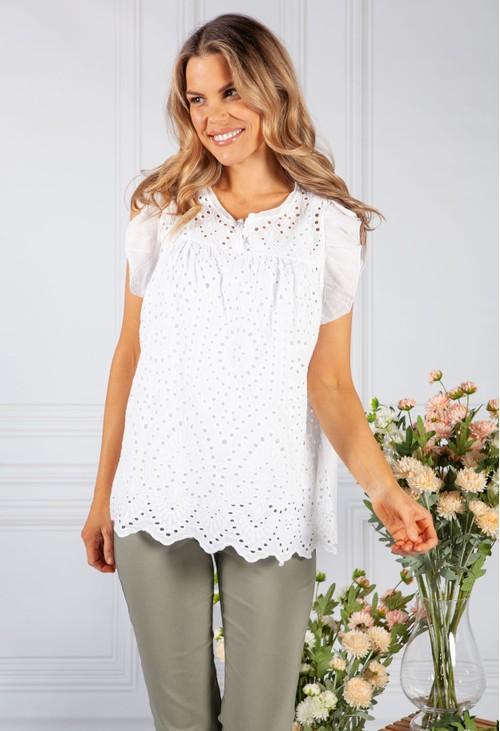 Pamela Scott White Embroidered Blouse