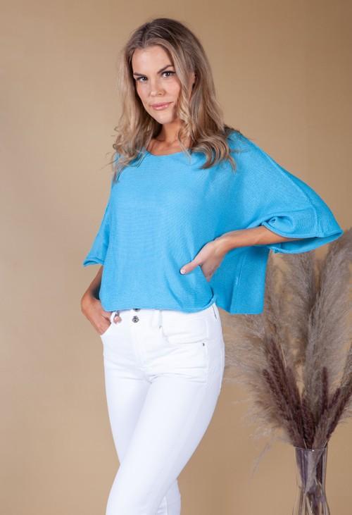 Pamela Scott LIGHTWEIGHT CROPPED KNIT PULLOVER in Topaz Blue