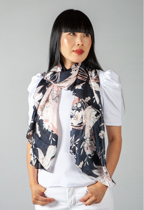 Betty Barclay FLORAL PRINT SCARF IN NAVY