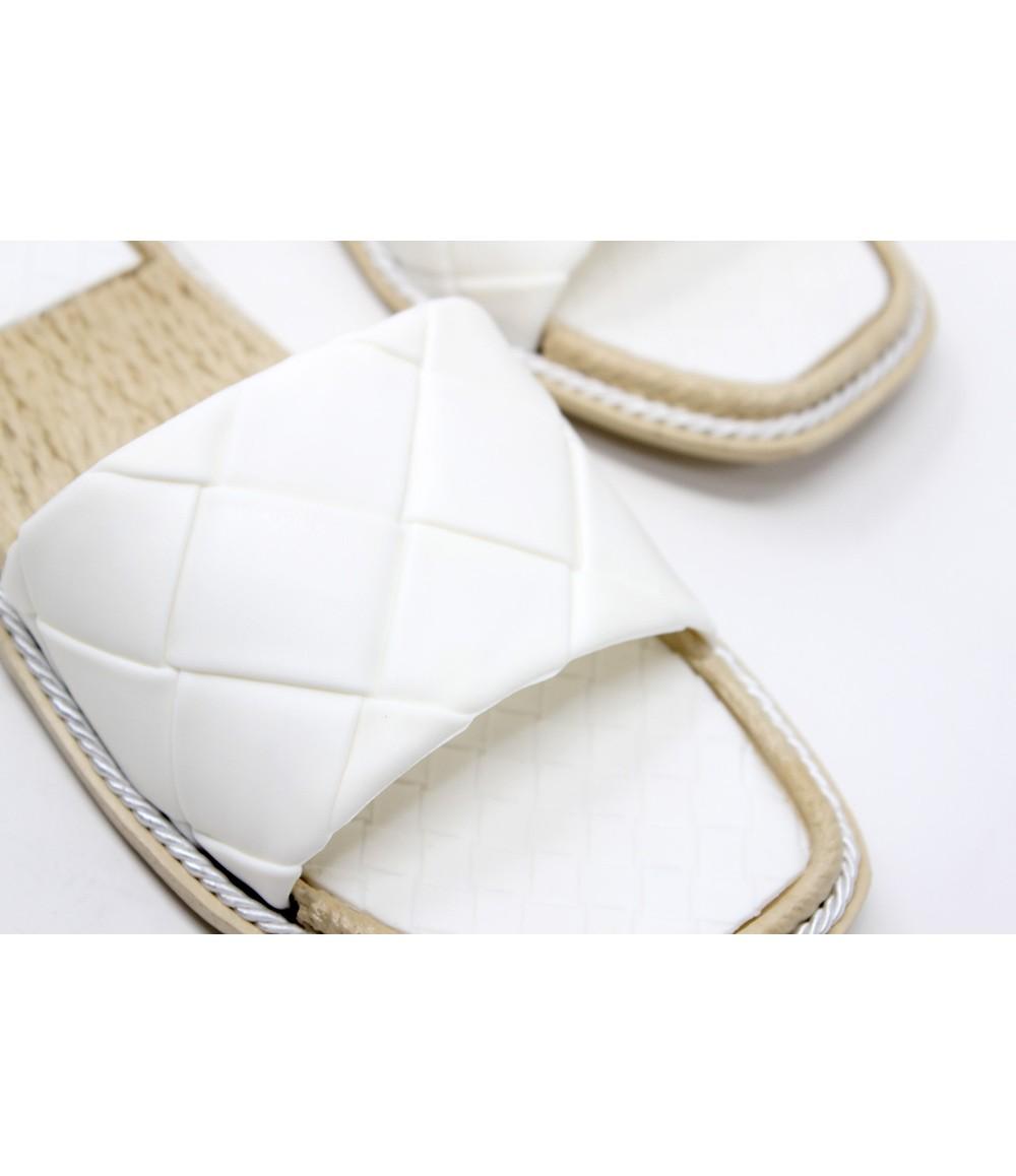 Shoe Lounge White Quilt Look Slide