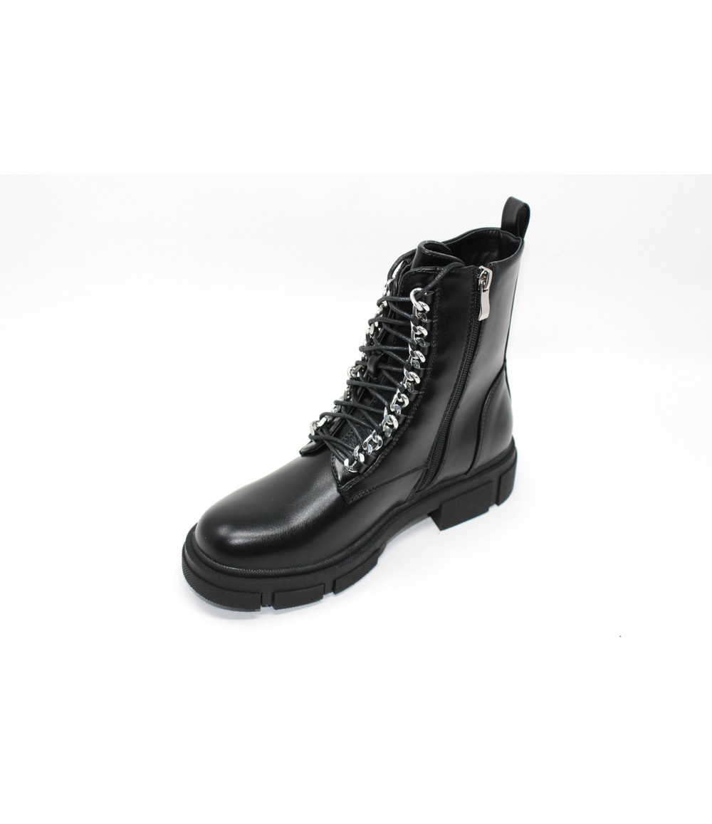 Black lightweight chunky boot