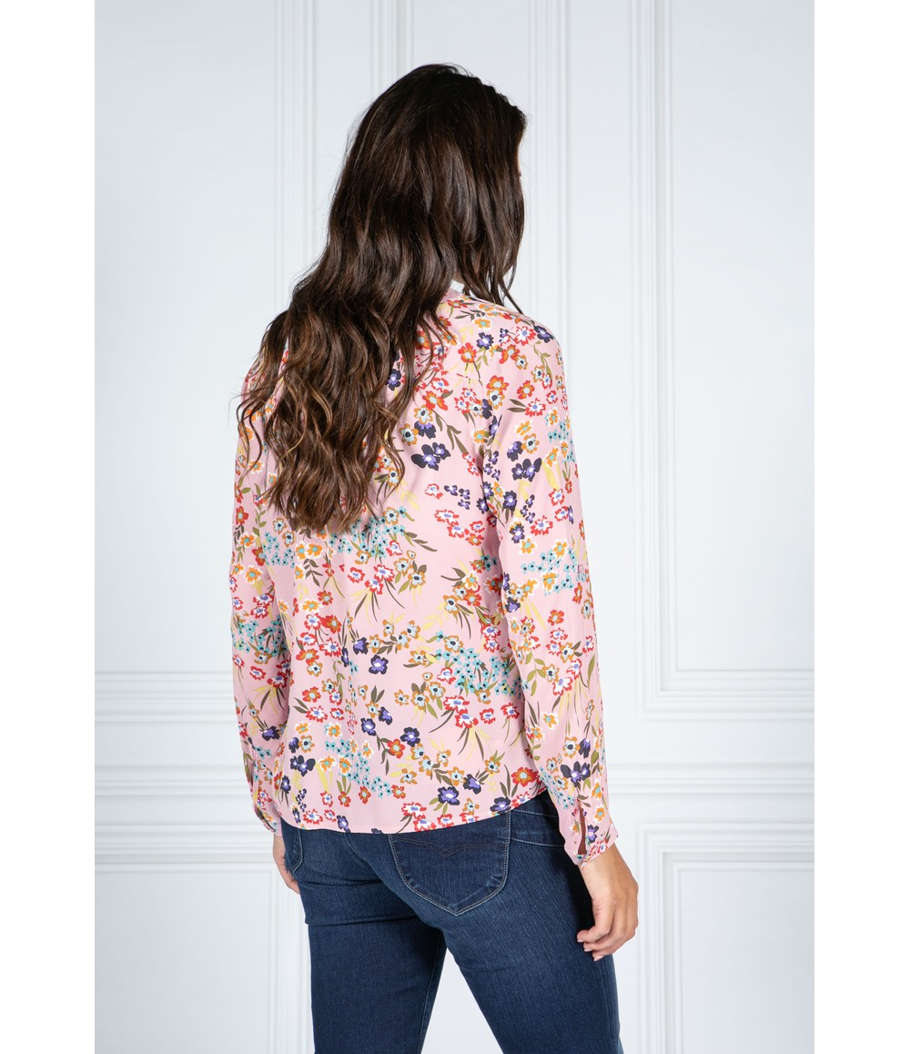 Twist FLORAL BLOUSE IN LIGHT PINK