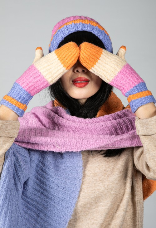 Pieces Colour Block Mittens in Lilac