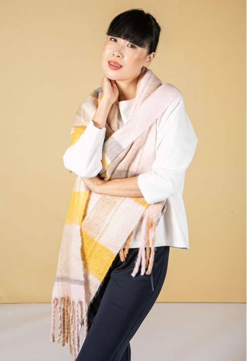 Betty Barclay Cosy Chunky Knit Scarf in Peach & Beige