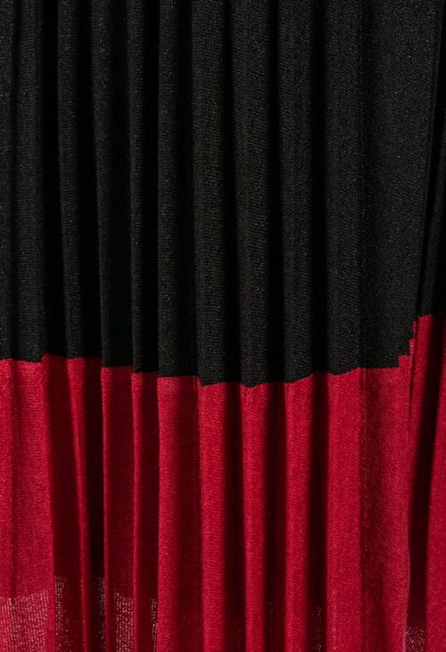 Zapara Soft Feel Fine Knit Pleated Skirt in Black & Bordeaux
