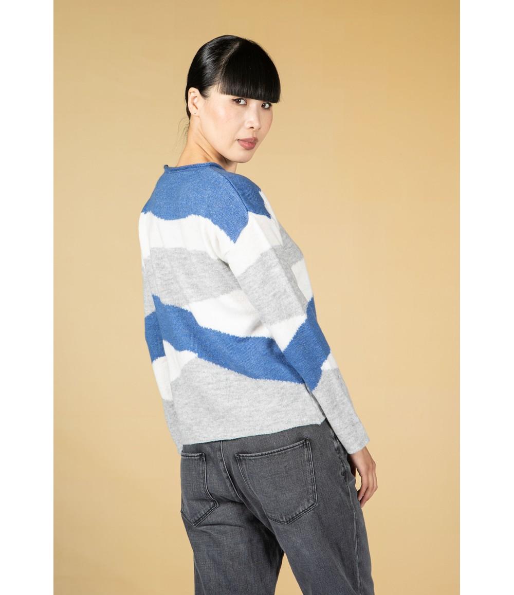 Twist Blue Swirl Design Knit Pullover