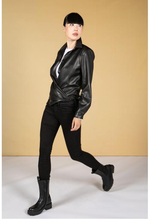 Zapara Leatherette Shirt in Black