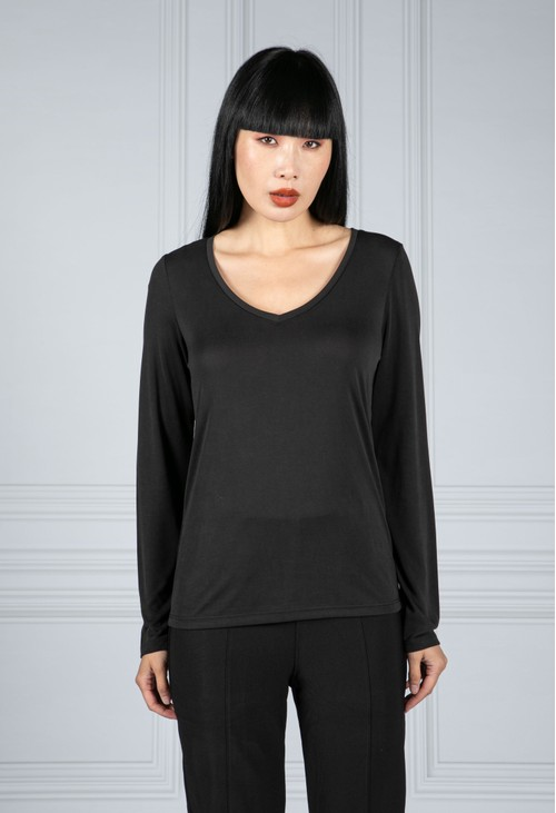 Pieces Long Sleeve V-Neck Tee in Black
