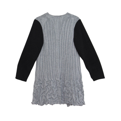 SophieB Grey Crinkle Black Sleeve Knit
