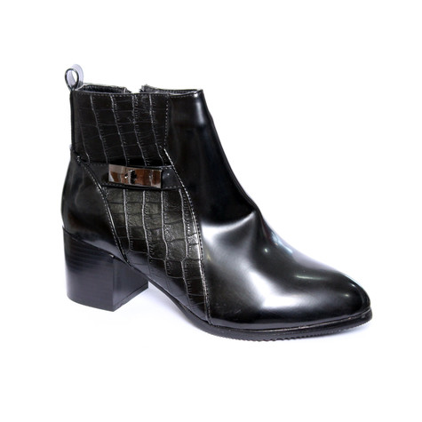 Chic Nana Black Smooth Front Snake Print Details Boots