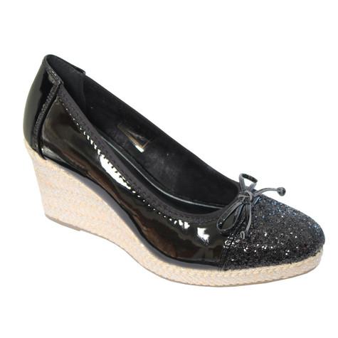 95926f66b820 CORTINA Black Patent Toe Cap Wedge Shoes
