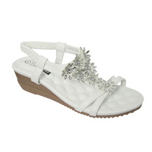 Vice Verso White Flower Pattern Wedge Sandals
