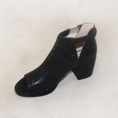 La Bottine Souriante  Black Open Toe Heels