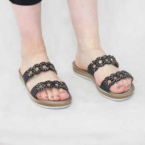 Lotus Diamante Black Slip On Sandals
