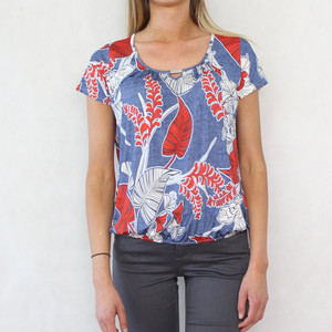 SophieB Red & Navy Leaf Pattern Print Top