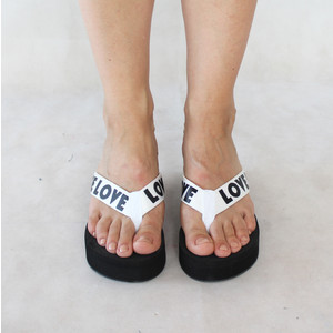 Chic Nana Black & White Love Text Sandal