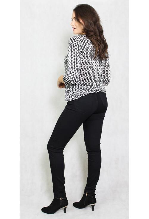 Zapara Black & White Pattern V-Neck Top