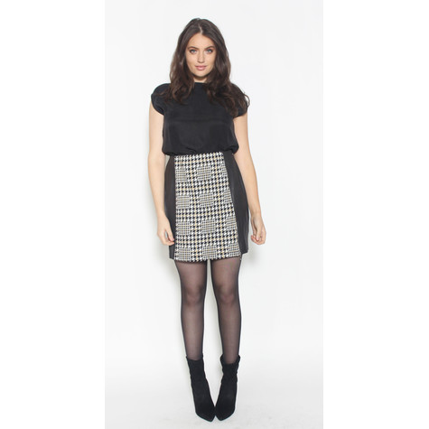 SophieB Black & Gold Hounds-tooth Skirt