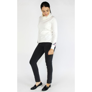 YOU YOU White Turtle Neck Embroidery Sleeve Knit