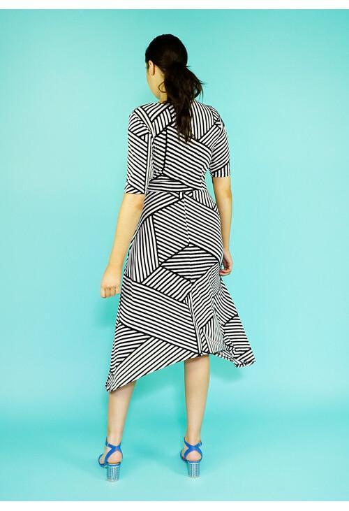 London Times White & Black Abstract Strip Print Dress