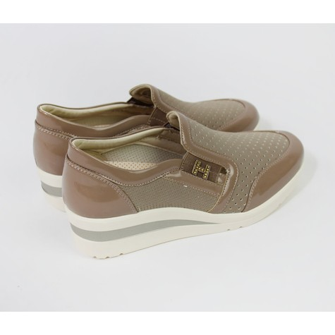 Pamela Scott Camel Spin On Trainers
