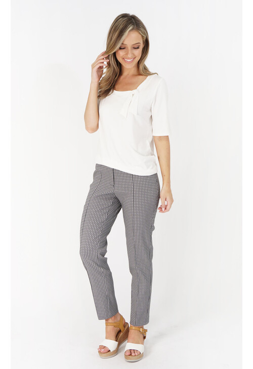Betty Barclay Dark Blue / White Stretch Pants