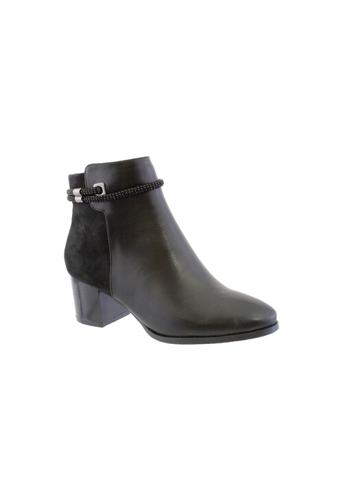 Susst Black Block Heel Plain Front Ankle Boot