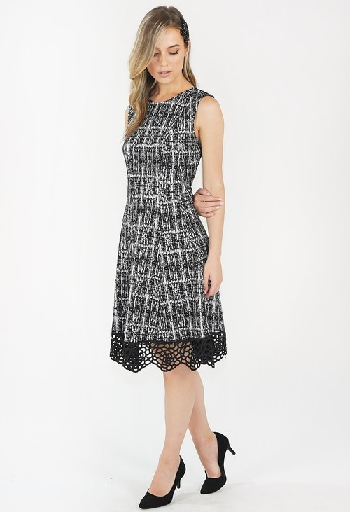 Donna Ricco Black and White Knitted Lace Hem Detail Dress