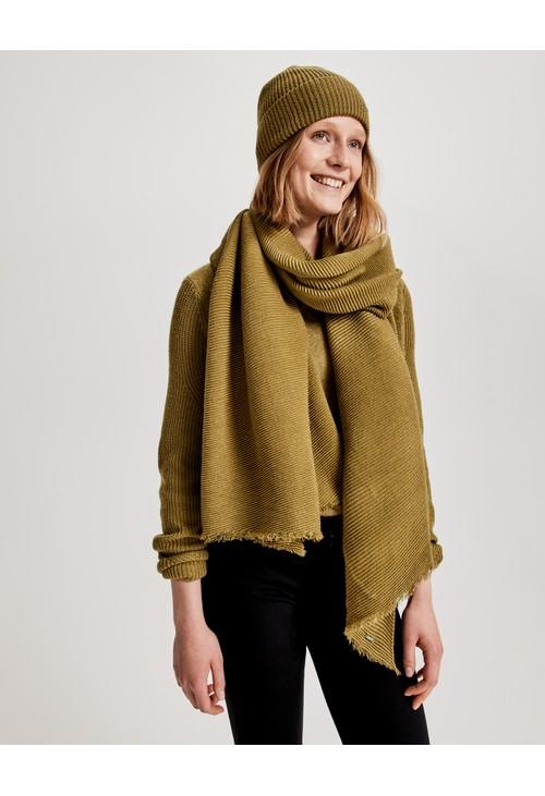Opus Shiny Pea Asomi scarf