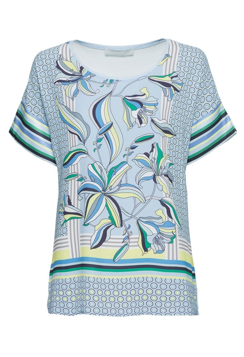 Bianca All over printed top with short sleeves in blue
